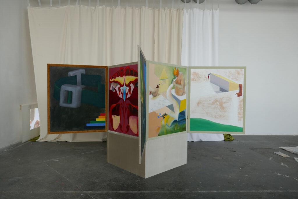 Vierecksbeziehung I, 2018, 300x300x190cm, oil on wood