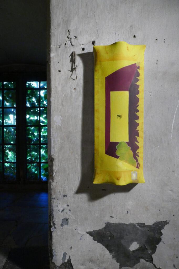 hellrosa, 2020, 45x45x25cm, oil on canvas